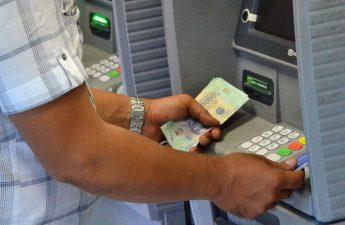 Phí ATM gồm những gì và cách nào né phí ATM